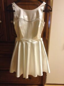 Robe blanche guess