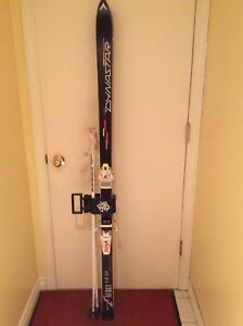 Women's Dynastar ski set - fits 7-71/2 boots - good condition