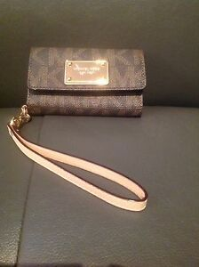 Michael Kors iPhone 5 Clutch handbag