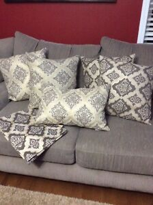 5 matching cushions and runner