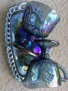 Carnival Glass, Vintage 3 pieces in mint condition.