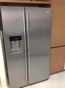 Electrolux 690 litre fridge/freezer, ice/water dispenser = AS NEW Noranda Bayswater Area Preview