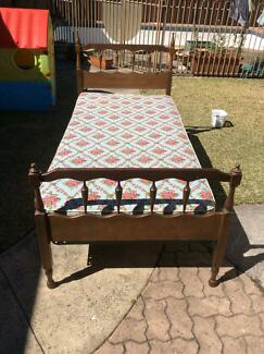 Single Bed Frame, sturdy, with Mattress