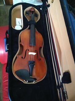 Violin 3/4 size near new