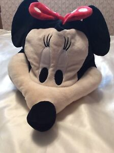 Plush Minnie Mouse Hat (Brand New! Never worn)