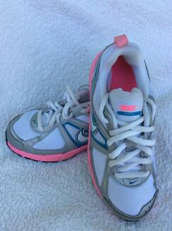 Brand new girl Nike school / sports shoes 19cm uk12.5