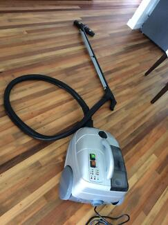STEAM-VACUUM CLEANER - ITALIAN SV6 FOR CLEANING PERFECTION