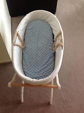 Moses basket/bassinet and stand Ringwood East Maroondah Area Preview