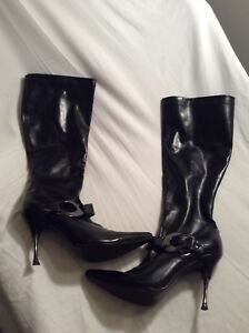 SZ 7.5 knee high boots. Very hot on!