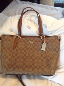 Sac authentique Coach – Valeur de 350$