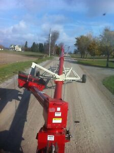 Farm King 1070 Grain Auger