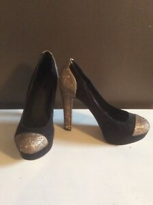 Black and gold pumps size 8