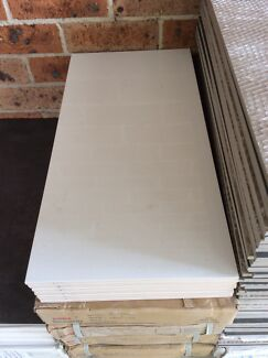 White Porcelain Wall tiles 300mm x 600mm
