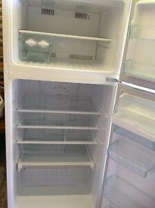 Westinghouse  420 Lt Frost free fridge,freezer.Must go today Harristown Toowoomba City Preview