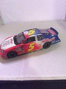 Diecast Racing Car Terry Labonte #5. 1:24