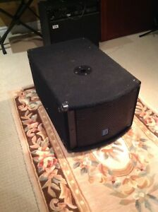 Yorkville Elite LS200P Powered sub asking $400..00