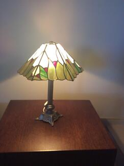 Beautiful Leadlight Table Lamp - one panel broken Hope Island Gold Coast North Preview