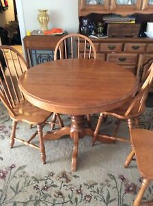 OAK ROUND SEATS 4 OR OVAL TABLE SEATS 6 & SIX CHAIRS