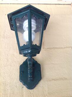 Outdoor coach lamp