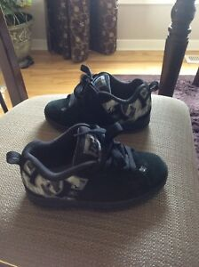 Size 3 DC Skateboard Shoes $10