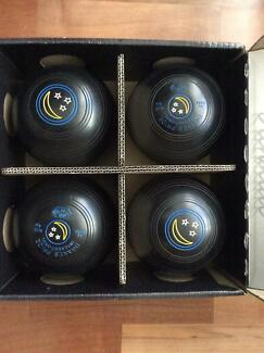 lawn Bowls Drakes Pride Size 4 Seville Grove Armadale Area Preview