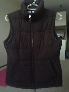 American Eagle women's puffer vest sz small