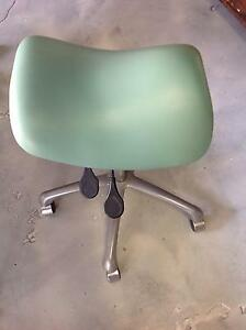 Ergonomic Saddle Chair Bethania Logan Area Preview