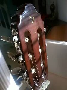 Valencia Classical guitar - TC40 Aberfoyle Park Morphett Vale Area Preview