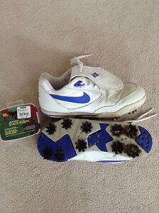 Size 7 ladies Nike golf shoes