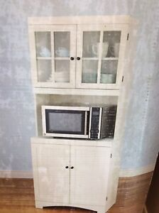 Kitchen  centre cabinet with glass insert doors