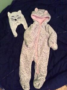 Girls snow suit - like new