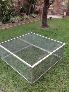 Large aluminium guinea pig, rabbit,  chicken, duck or pet cage Mermaid Waters Gold Coast City Preview