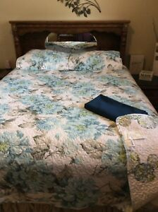 New reversible quilted comforter