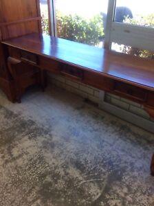 Hall table  Wangara Wanneroo Area Preview