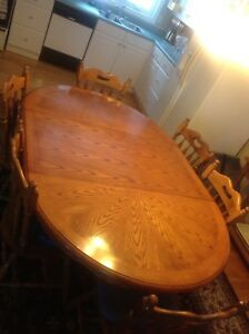 Dining room table and 6 solid Maple chairs
