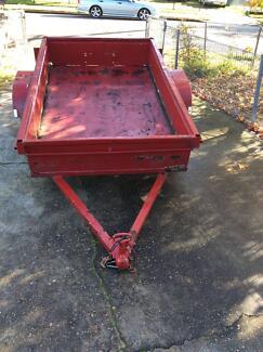 box trailer 7x4 no rego no plate quick hitch coupling 13 inch whe