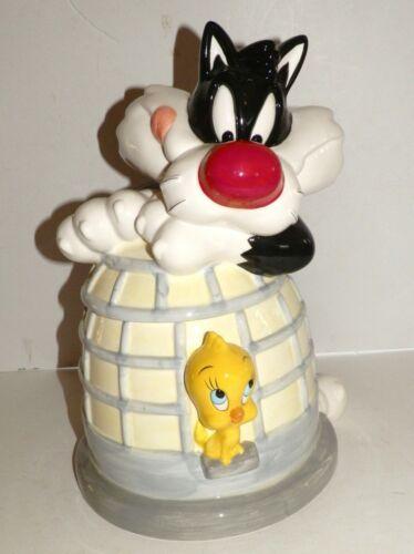 Warner Brothers Loony Tunes Market Tweety And Sylvester Cookie Jar 1995