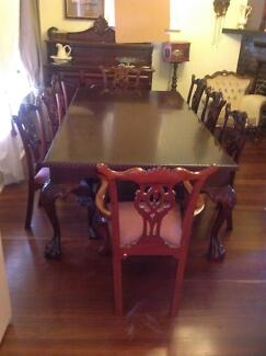 Mahogany Table With 8 Chairs And Dinning Room Dresser