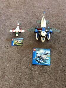 2x LEGO airplanes