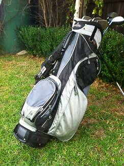 Bennington Golf bag and clubs Spotswood Hobsons Bay Area Preview