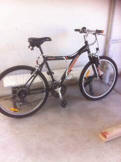 """Mongoose Pro Rockadile 20"""" bike and bikemate stand Preston Darebin Area Preview"""