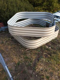 Garden Beds 2 New Cream $150 for both Save $$$$$