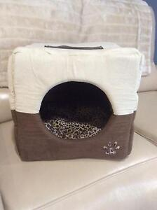 Cat caves - barely used Amaroo Gungahlin Area Preview