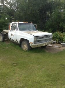 Chev 1 ton for parts