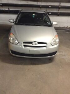 2009 Hyundai Accent, very low kilometres! open to offers as well