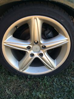 Holden Vx Calais champagne 18in rims and tyres Singleton Singleton Area Preview