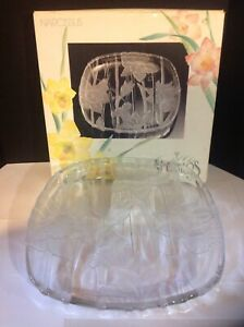 Crystal Clear Studios Narcissus Plate Frosted Flowers