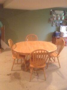 Pine Table Set