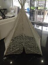 Ivory tee pee with lace never used brand new Cameron Park Lake Macquarie Area Preview