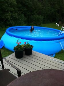 Above ground inflatable pool with filter. Easy setup